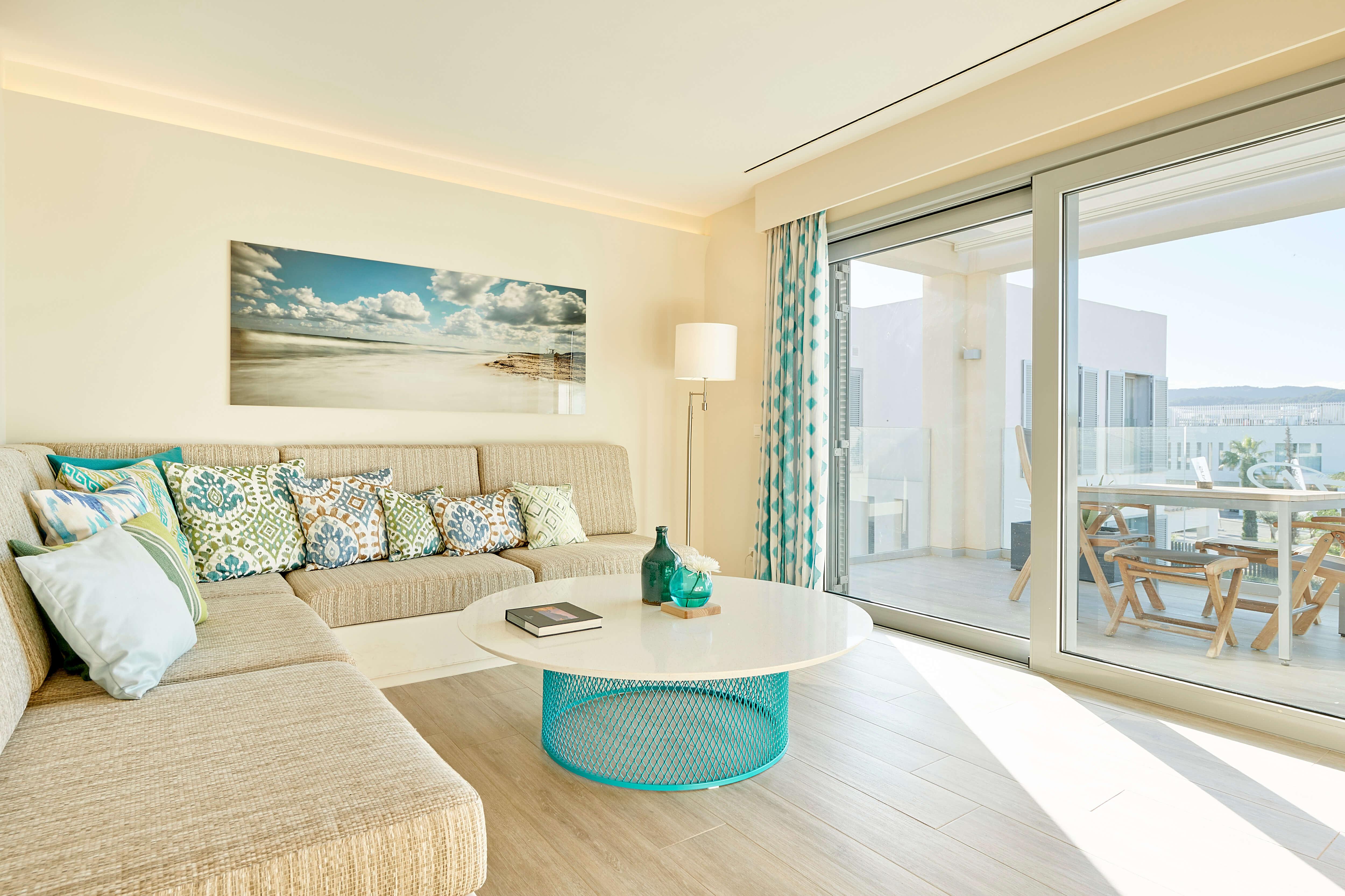 7KIBZ1_Resort-Suite_3_H