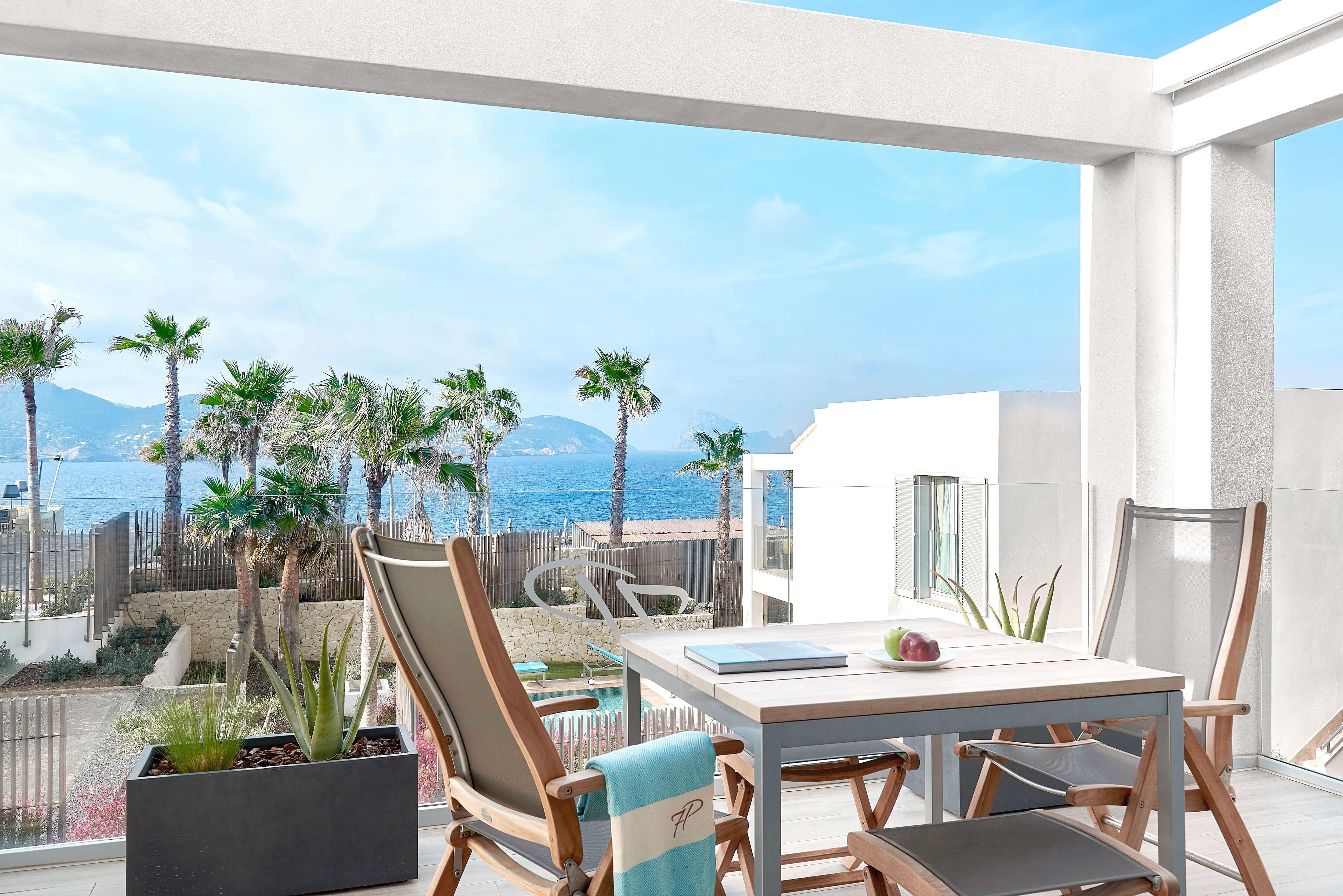 7KIBZ1_Resort-Suite-Sea-View_2_H