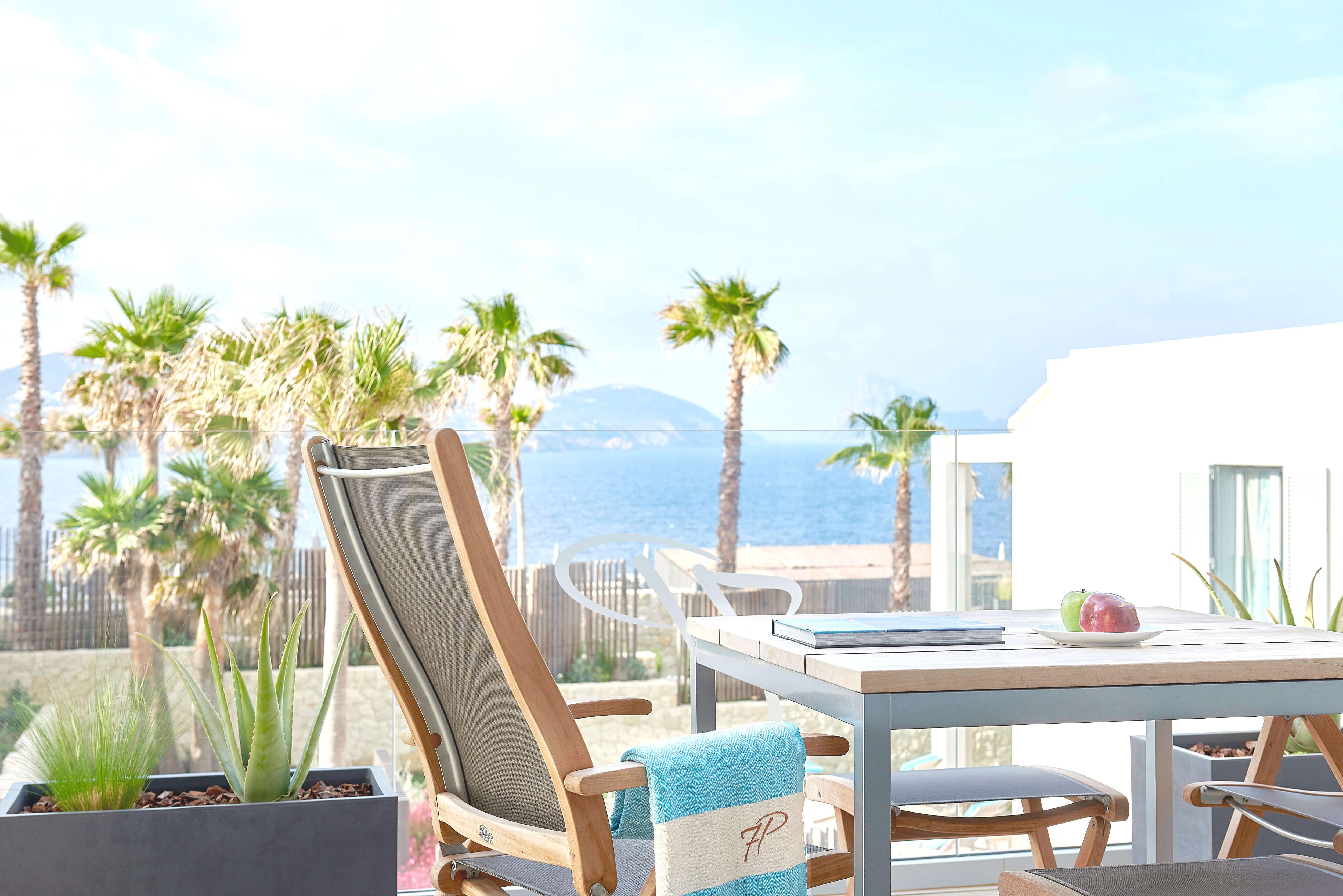 7KIBZ1_Resort-Suite-Sea-View_3_H