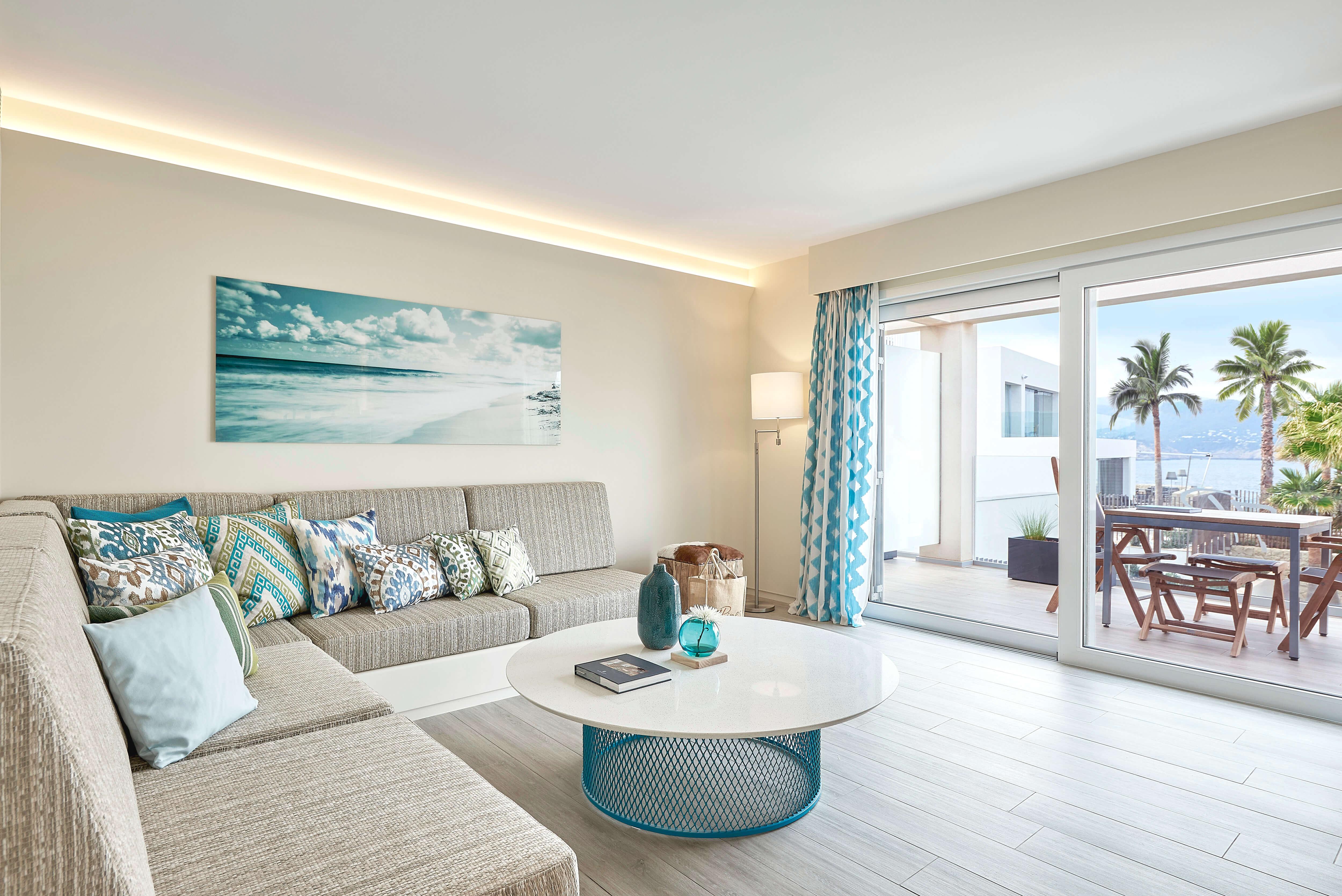7KIBZ1_Resort-Suite-Sea-View-Deluxe_H