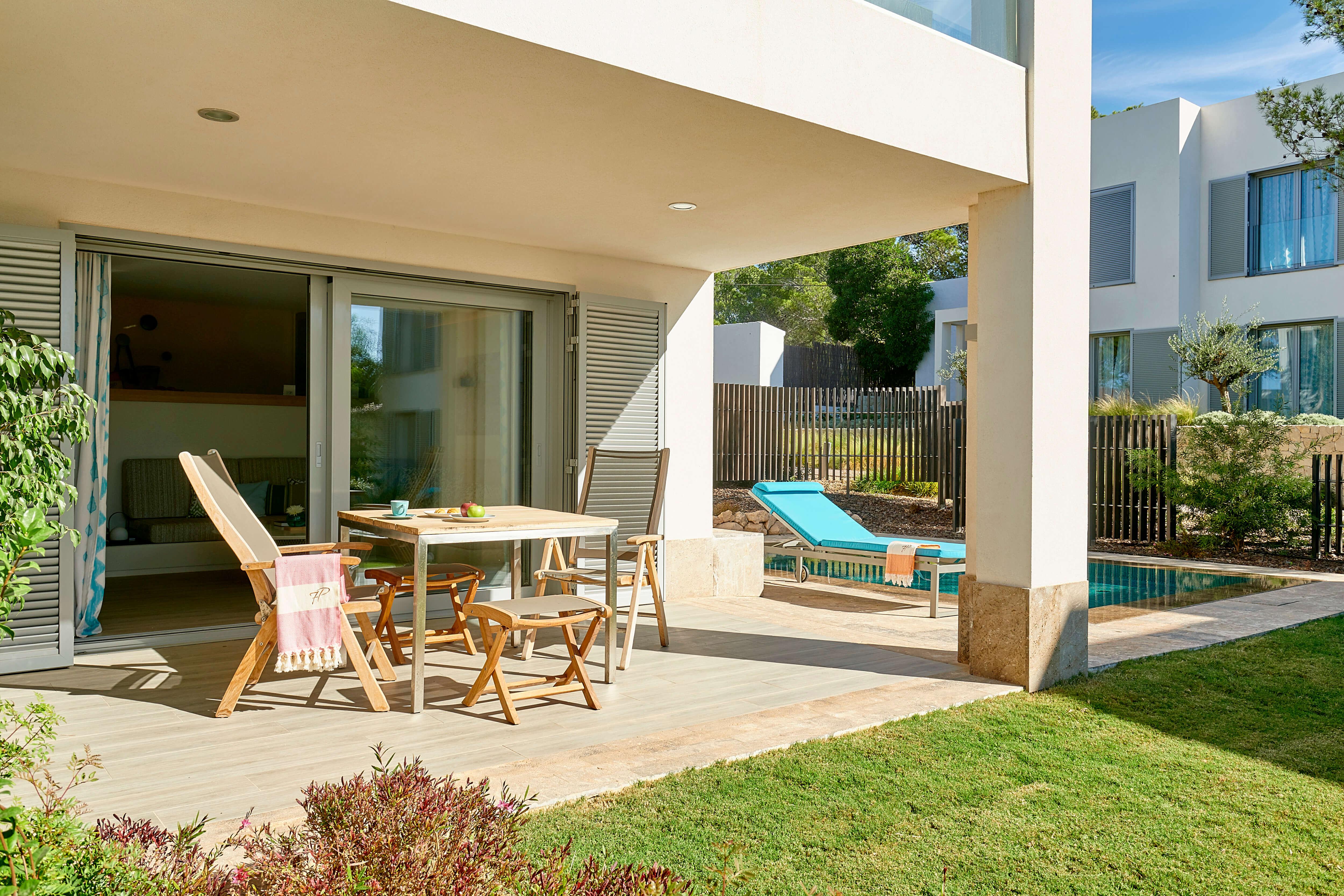 7KIBZ1_Garden-Pool-Suite_6_H
